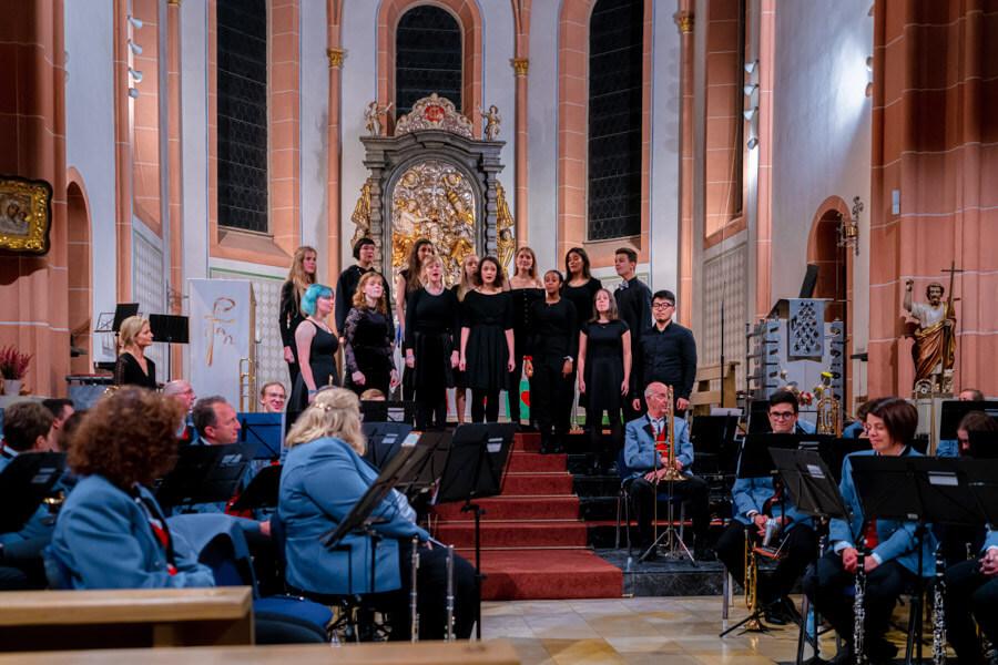 Ellys Damen + 2 beim Kirchenkonzert in Elz